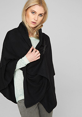 buy women 39 s ponchos kimonos quickly and easily in the s oliver online shop. Black Bedroom Furniture Sets. Home Design Ideas