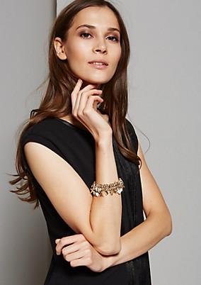 Glamouröses Armband mit goldglänzenden Anhängern