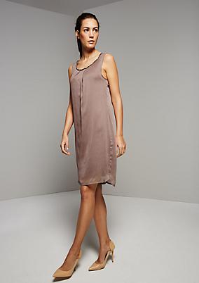 Bezauberndes Chiffonkleid mit glamourösem Schmucksteinbesatz
