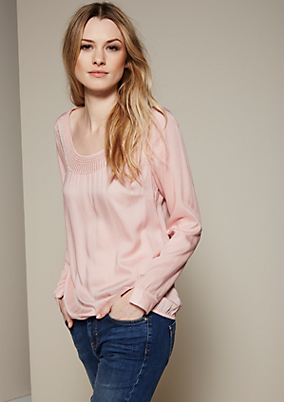 Elegantes Langarmshirt mit aufregenden Details
