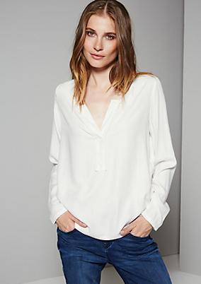 Schöne Bluse mit schönen Verzierungen