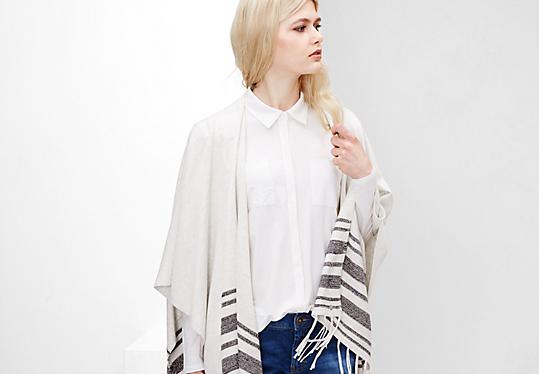 Blanket-Poncho mit Streifen von s.Oliver