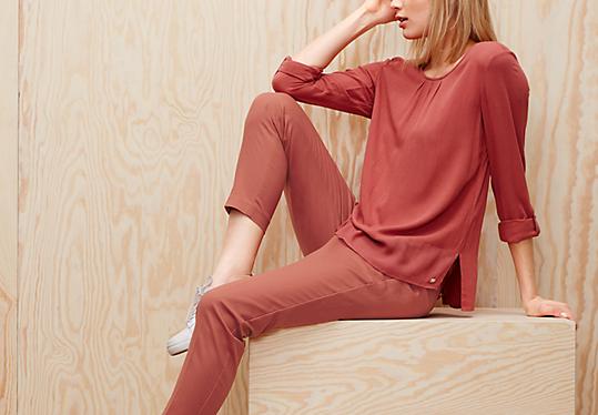 Shape Ankle: Chino mit Bügelfalten von s.Oliver