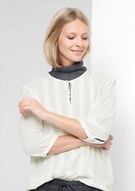 Bestickte Materialmix-Bluse von s.Oliver