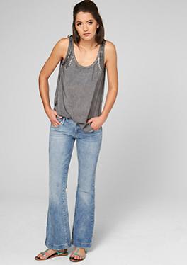 bootcut jeans f r damen bequem im s oliver online shop kaufen. Black Bedroom Furniture Sets. Home Design Ideas