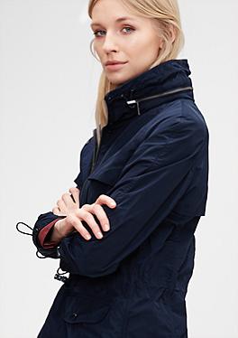 Mantel mit verstaubarer Kapuze von s.Oliver